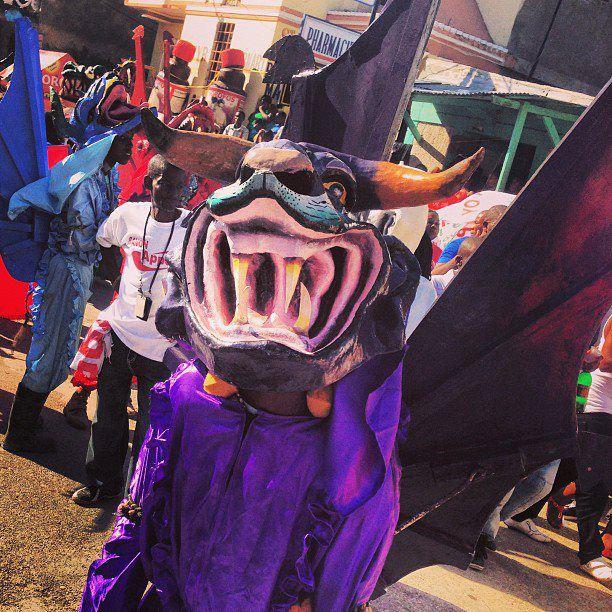 Masque du carnaval de Jacmel Crédit photo: By Plezi kanaval