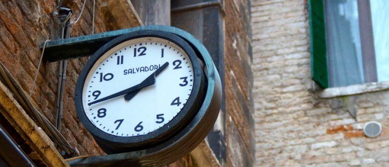 Article : Celui qui vit pour oublier le temps